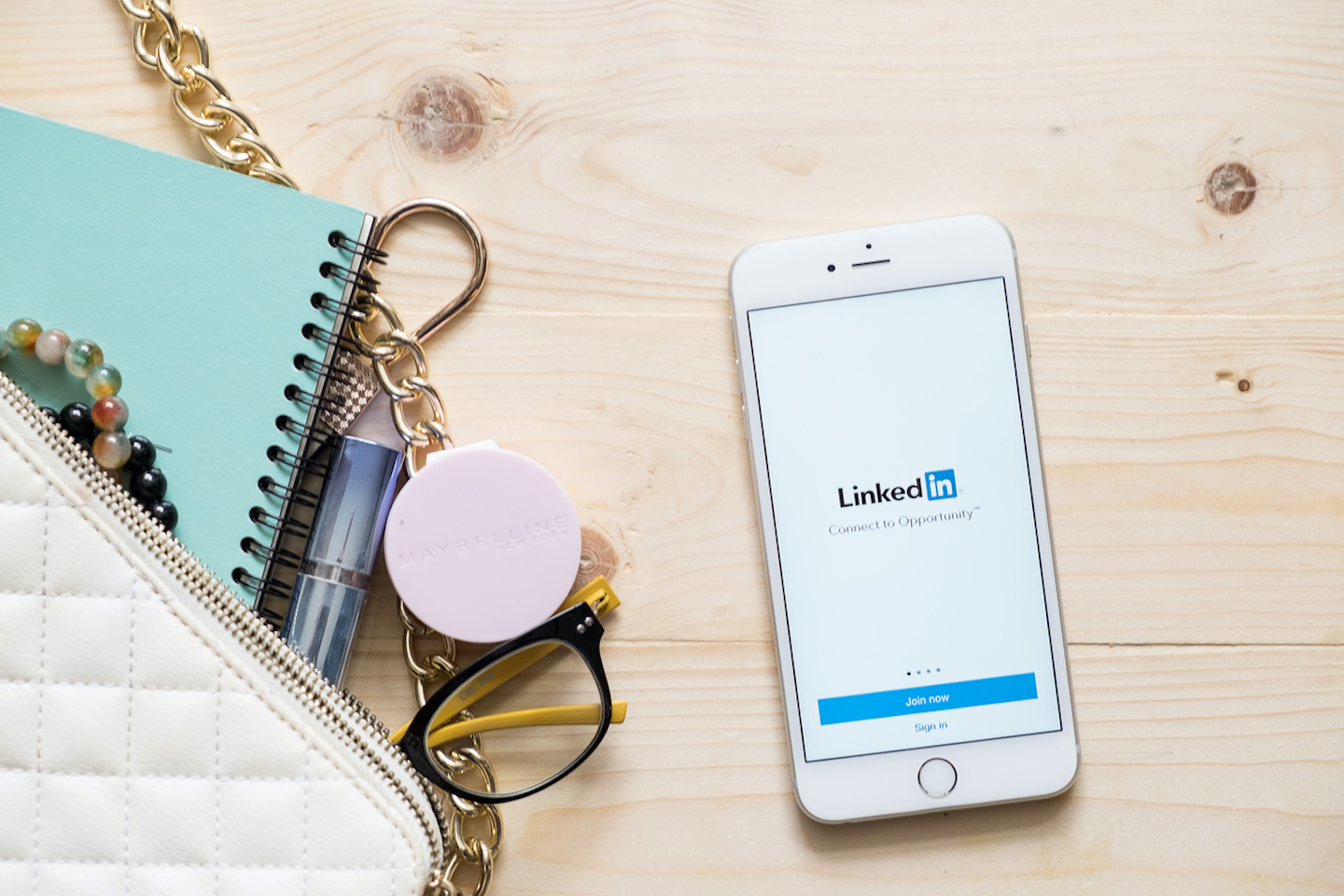 How to Write a Great (And Effective) LinkedIn Profile