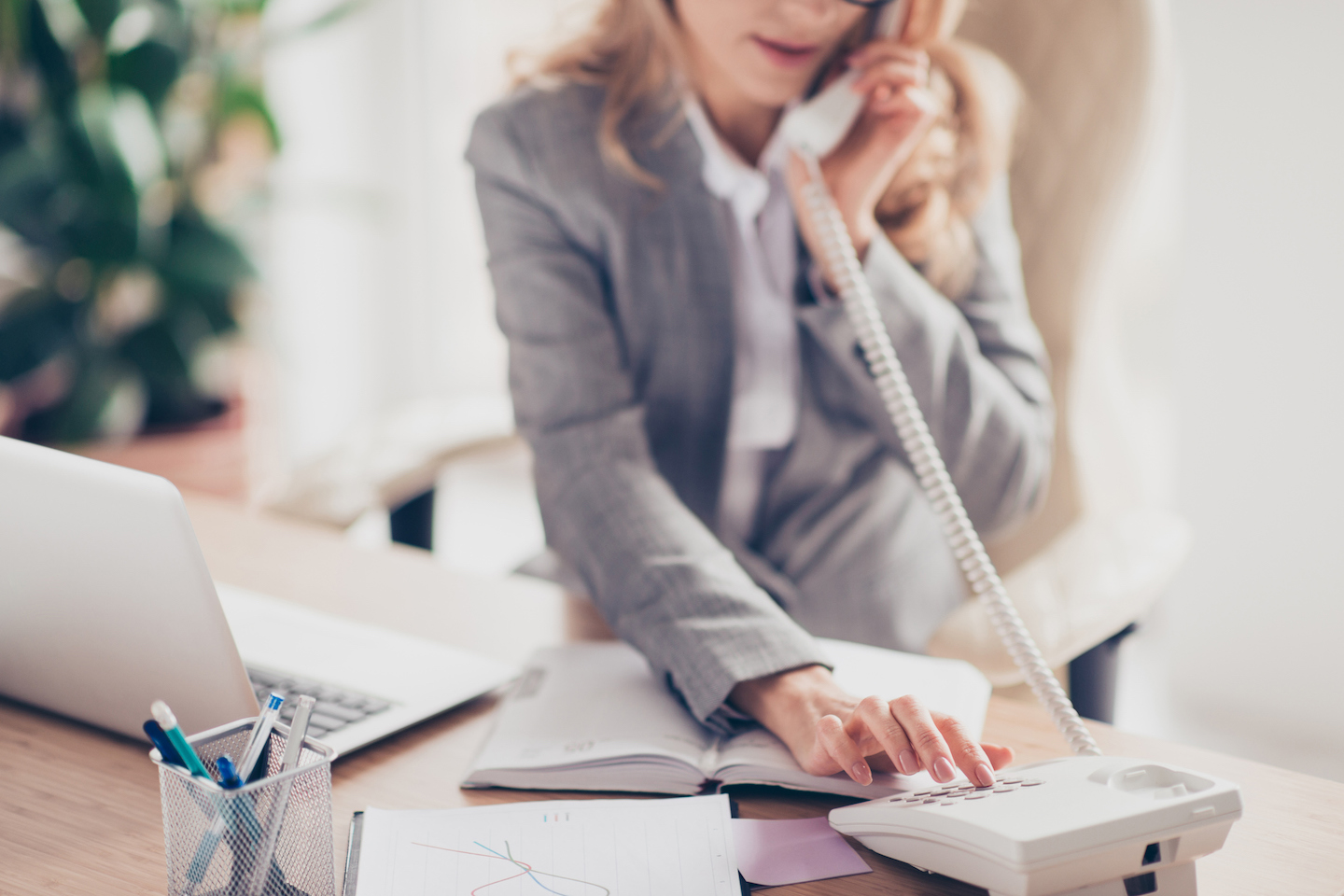 10 Tasks Lawyers Can Outsource to a Virtual Assistant