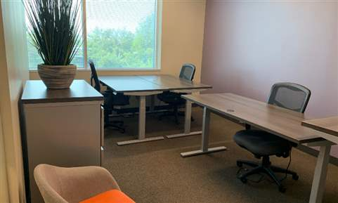 4-person Private Executive Suite