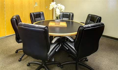 The Magnolia Meeting Room