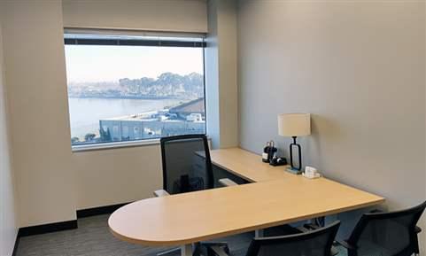 Executive Suite 16